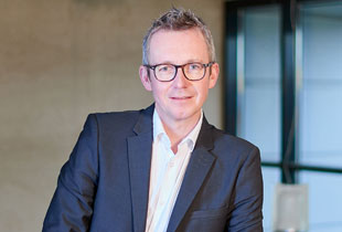 Bruneau rapproche ses services clients et marketing